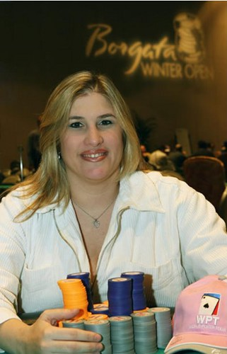 Nicole Rowe nickirowe female lady poker players mastectomy
